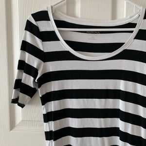 🏷 FREE with $25 purchase Merona Striped tee
